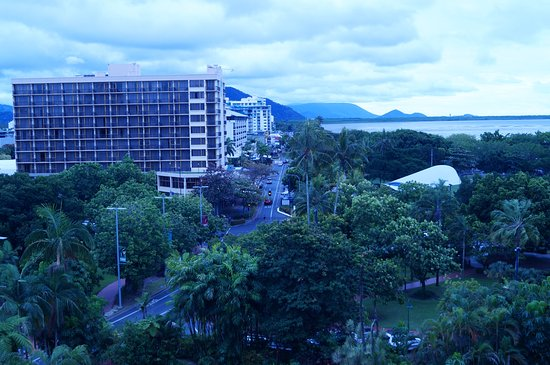 Hilton Cairns : city view room view about a 200 metre walk to the main strip and the wharf.