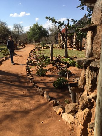 Makalali Private Game Lodge: Rustic huts are very well appointed