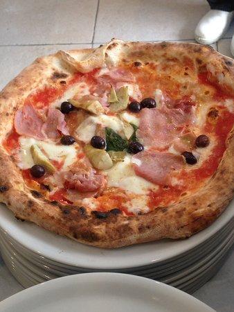 Chelles, Frankrig: Pizza