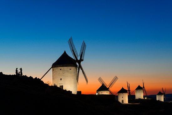 """Résultat de recherche d'images pour """"Molinos de viento en Espagne"""""""