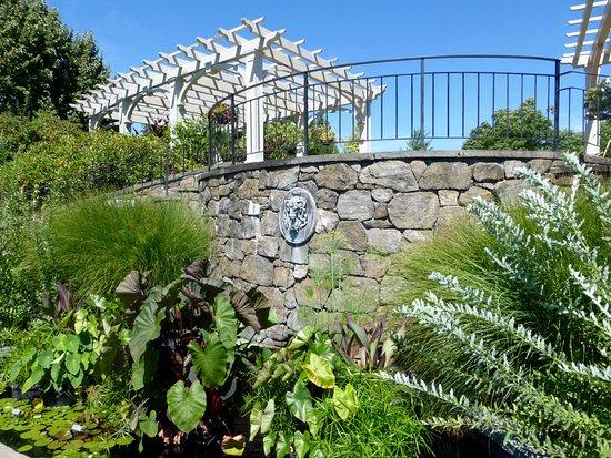 Sunken Secret Garden fountain - Picture of Tower Hill Botanic Garden ...