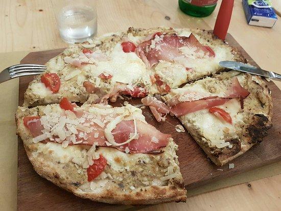 Mascalucia, Italia: L'altra pizza