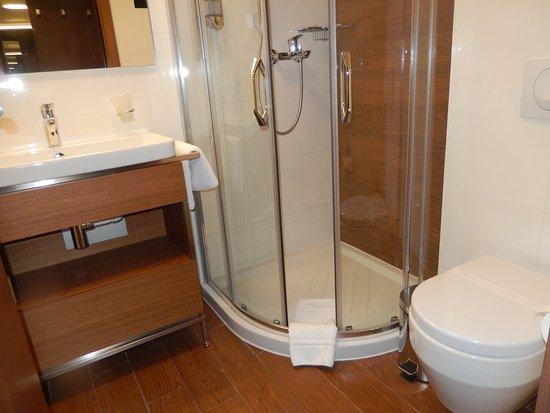 Sérvia Central, Sérvia: Bathroom