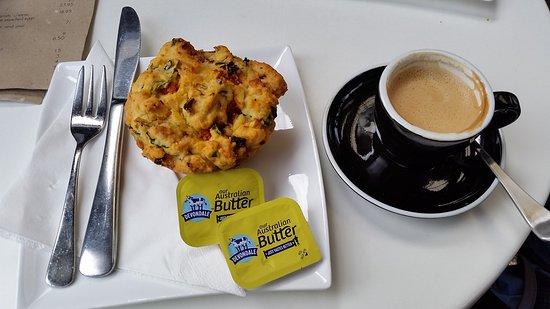 Frederick's Cafe: Savory muffin with coffee
