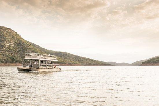 Mkuze, Sydafrika: Boat cruise on Lake Jozini with Ghost Mountain Safaris