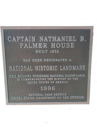 Captain Nathaniel Brown Palmer House : photo1.jpg