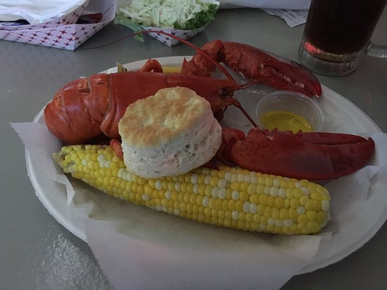JT's Seafood: Classic whole lobster, corn on the cob and a buttermilk biscuit
