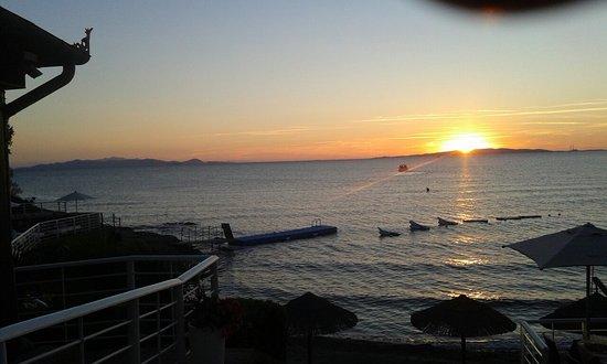 Cala Felice Beach Club: 20160811_201801_large.jpg