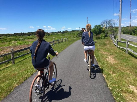 White Elephant Village | Residences & Inn: Cliff Road Bike Trail