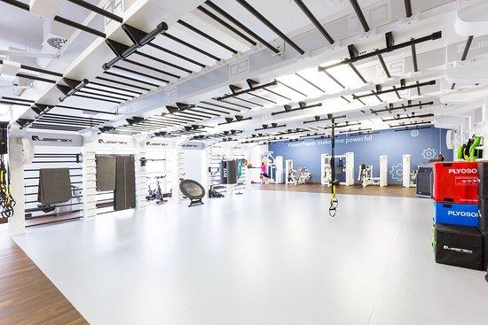 Art Deco Hotel Elite: workout area