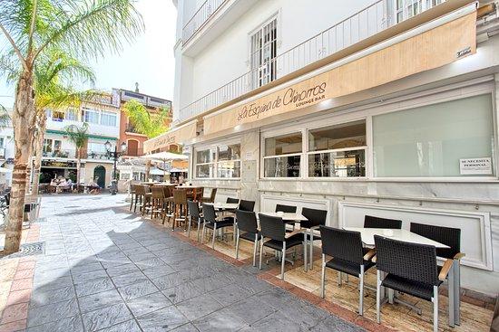 Restaurante la esquina de chinorros en fuengirola con - Cocinas fuengirola ...