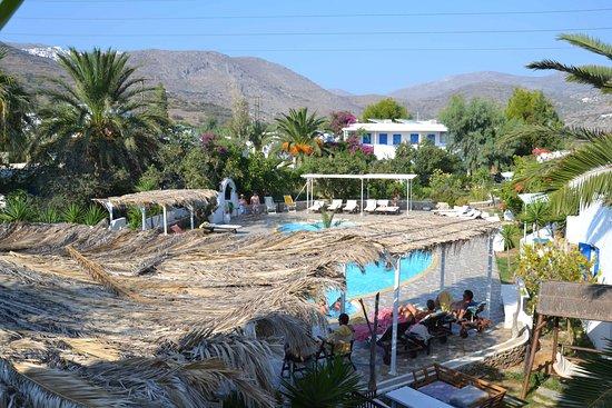 Vista piscina da balcone photo de lakki village aegiali - Piscina da balcone ...