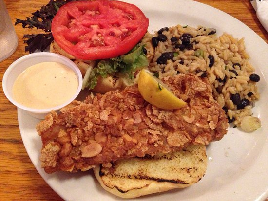 Juno Beach, Floryda: Crusty dolphin fish sandwich