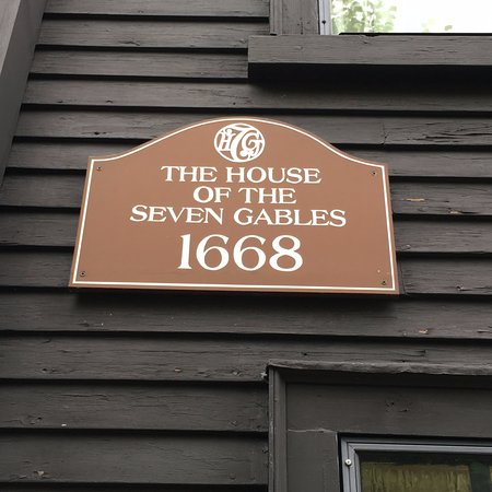 the house of the seven gables thesis Step 5: sample student essays question: read the following passage from nathaniel hawthorne's novel the house of the seven gablesthen write a careful analysis of how the narrator reveals the character of judge pyncheon.