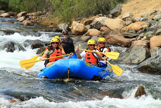 Clear Creek Rafting Company : Cruising down the river