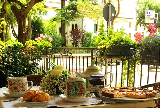 terrazzo fiorito - Picture of Hotel Damodoro, Pordenone - TripAdvisor