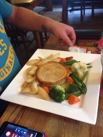 Bamber Bridge, UK: Cheese and onion pie and chicken goujons