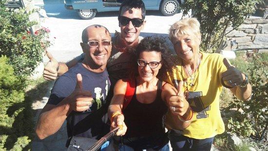 Logaras, Griekenland: Our family in Paros! Miss u guys!