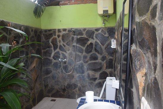 Anturan, Indonesia: Buitendouche-kamer Sumatra