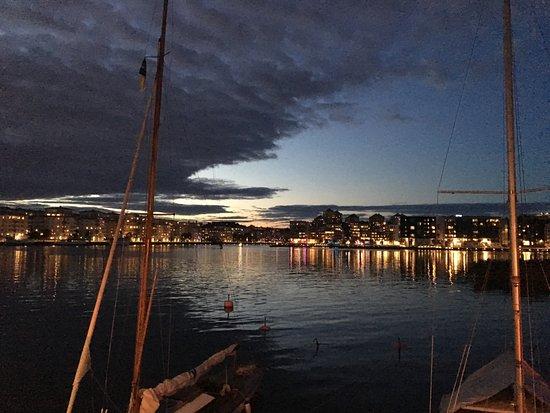 Solna, Sverige: Vista della baia al tramonto