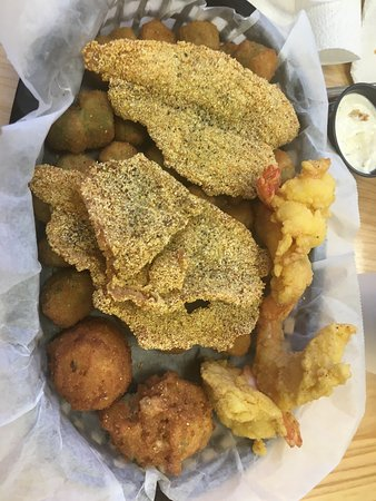 Monroe, LA: Catfish Charlies