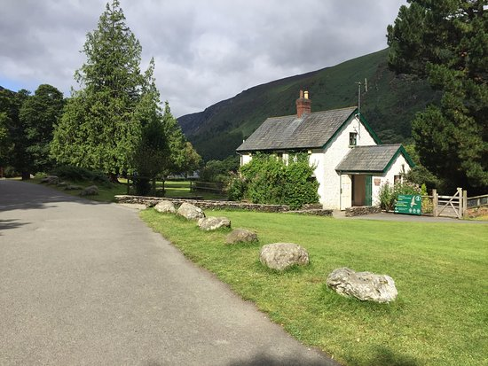 Greystones, Ierland: Visit to Glendalough with Wicklow Your Way