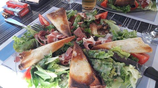 Espalion, Франция: Brasserie Du Marche