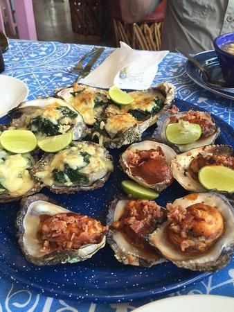 Oso's Oyster Bar: photo0.jpg