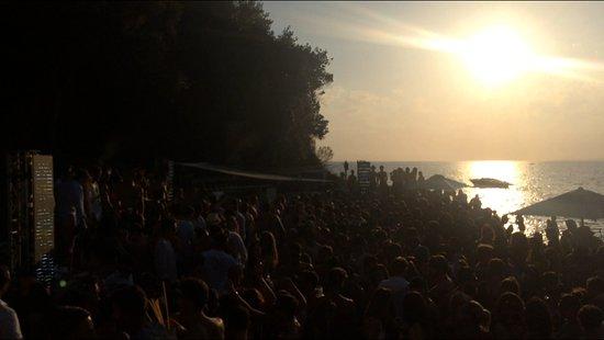Cala Felice Beach Club: Miami Sunday
