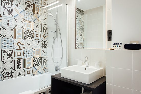 Salle De Bain -- Bathroom - Picture Of Hotel Square Louvois, Paris