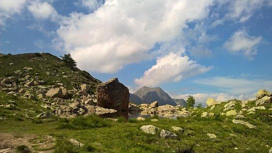Santuario di Sant'Anna di Vinadio: piccolo laghetto...
