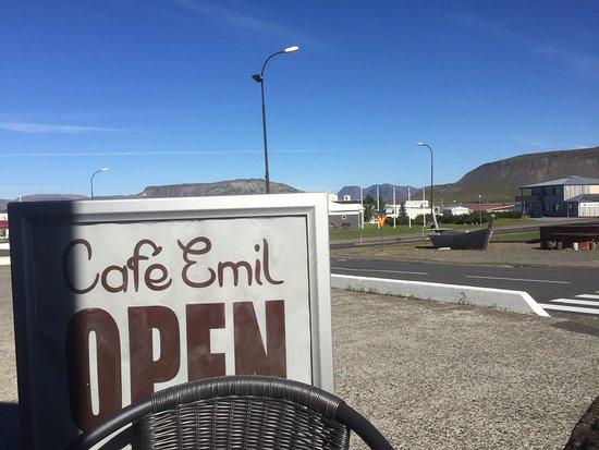 Grundarfjorour, Islandia: Terassenblick mit Sonne
