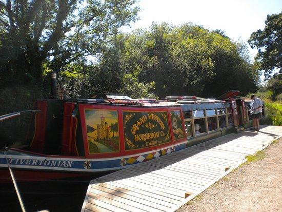 Tiverton, UK: the barge at turnround point