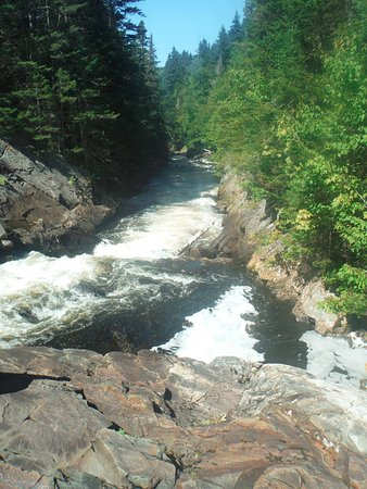 Pittsburg, Nueva Hampshire: CT Falls (start on Moose Alley Trail to Falls Trail)