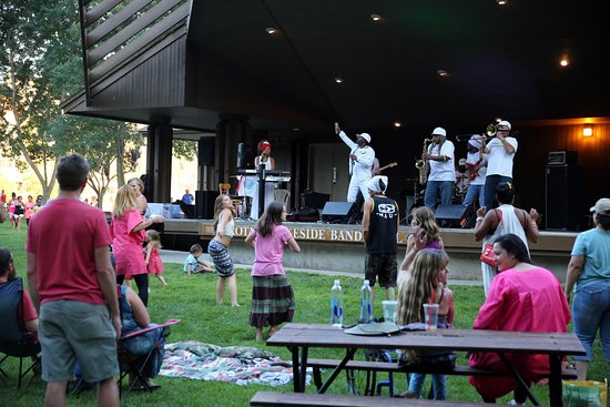 Coeur d'Alene City Park and Independence Point: Free music