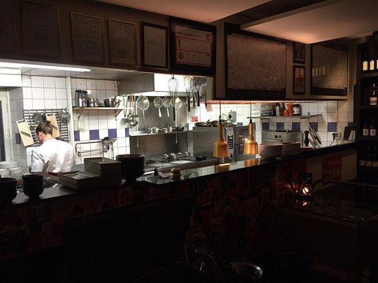 Bar Nombre : photo0.jpg