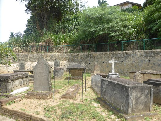 Kandy Garrison Cemetery: Parte del cementerio