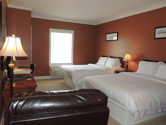 Laplata, MO: Standard Queen Room