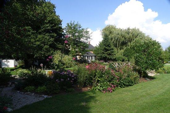 Elmira, Canada : Gardens at rear of Brubacher Homestead