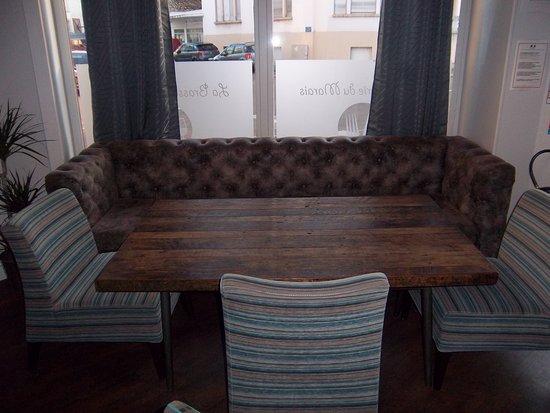 le coin canap photo de la brasserie du marais dijon tripadvisor. Black Bedroom Furniture Sets. Home Design Ideas