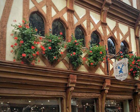 Guingamp, Francia: Patisserie Salon de the Pasquiet