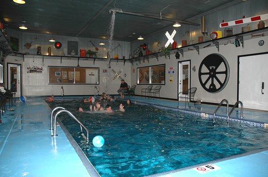 La Plata, MO: pool