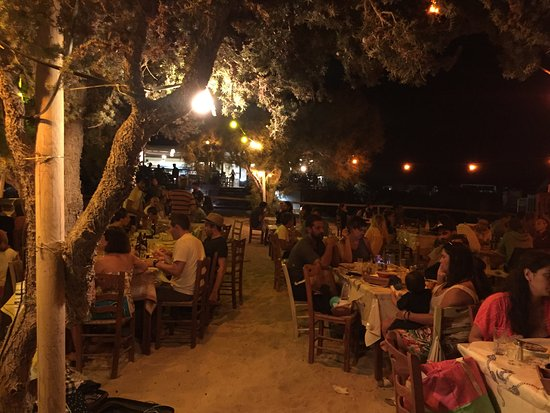 Plaka, Grecia: Waterside dining at its best