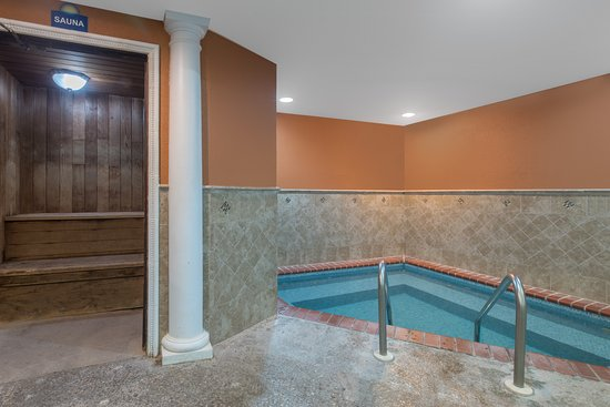Days Inn Minot: Hot tub / Sauna