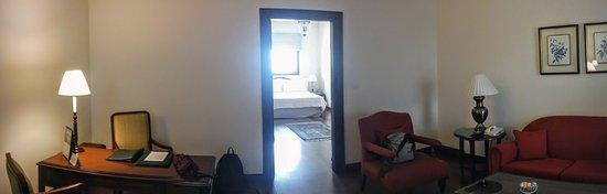 โรงแรมเมเดน: Anticamera e camera