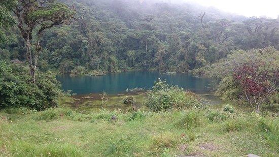 Bajos del Toro, Costa Rica: Laguna pozo azul