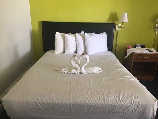 Budget Host Arrowhead Motel