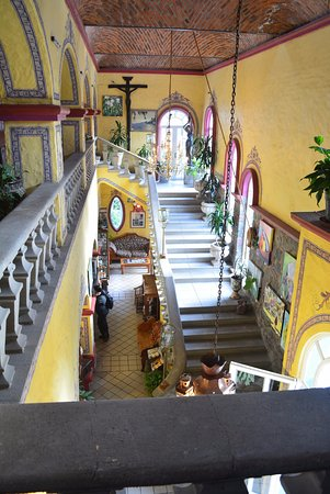 La Nueva Posada : lovely entry and stairs