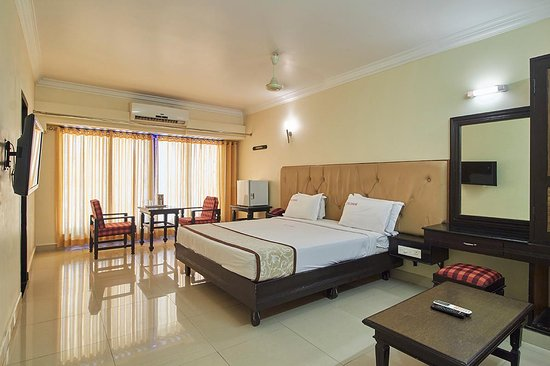 Hotel Sangam: Double bed A/c