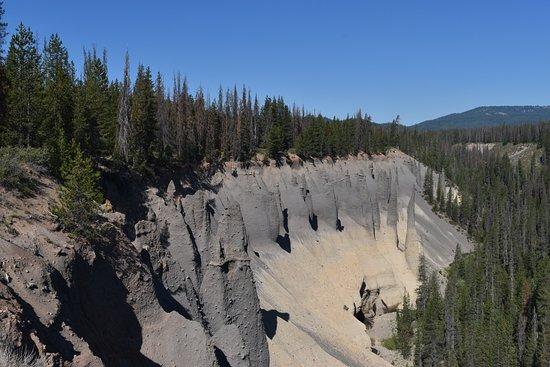 Pinnacles Overlook Hike